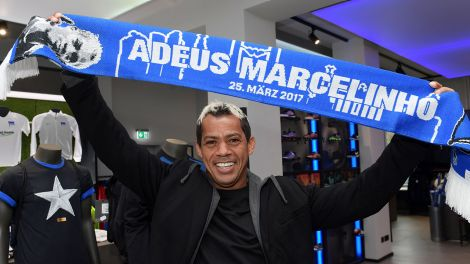 Marcelinho im Fan-Shop von Hertha BSC; Foto: City-Press /Mathias Renner