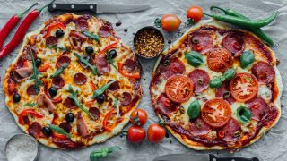 Salami Pizza, Foto: Colourbox