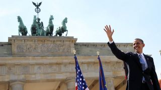 US-Präsident Barack Obama vopr dem Brandenburger Tor (Bild: dpa)