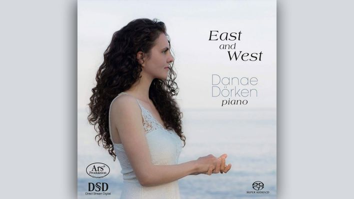 East and West © Ars Produktion