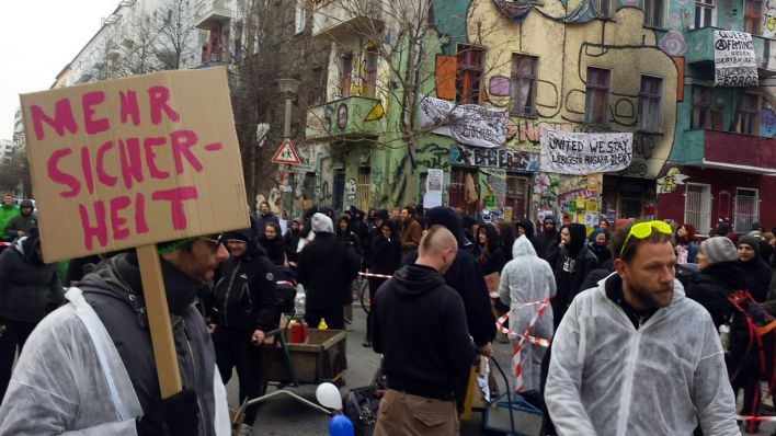 Demonstration in der Rigaer Straße in Friedrichshain (Quelle: rbb / Thomas Weber)