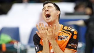 Volleyball / Hessen - 1. Bundesliga Männer / 05.03.2016 / United Volleys Rheinmain (blau) - Berlin Recycling Volleys (schwarz) / v.l. Erik Shoji (BR Volleys 2) (Quelle: imag / Marcel Lorenz).