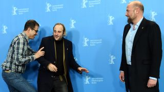 "66. Internationale Filmfestspiele Berlin, 17.02.2016, Fototermin ""Des nouvelles de la planete Mars"" (""News from planet Mars""): Regisseur Dominik Moll (l-r) und die Schauspieler Vincent Macaigne und Francois Damiens (Quelle: dpa)"