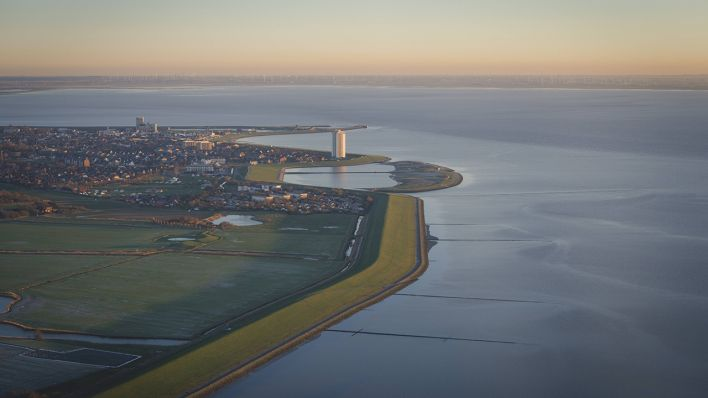 Germany, Buesum, North Sea Coast seen from airplane (Quelle: imago/Westend 61/Kerstin Bittner)