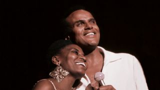 "Szene auf ""Sing your Song"" mit Harry Belafonte (Quelle: Arsenal / dpa)"