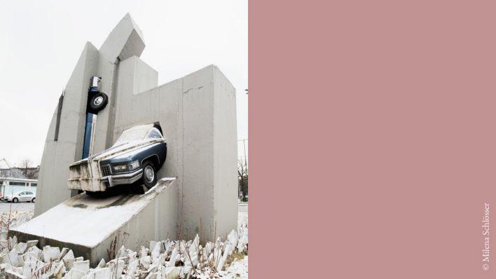 Platz 1 Bildhauerei Beton Cadillacs Von Wolf Vostell Rbb