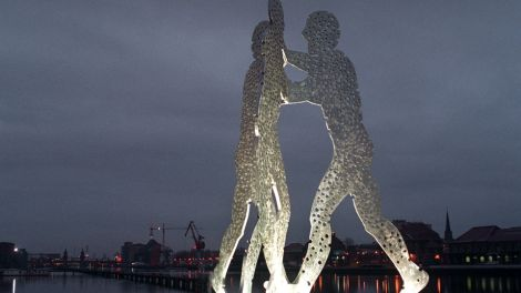 Molecule Men, Quelle: dpa/ Report