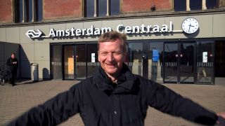 Michael Kessler in Amsterdam, Quelle: rbb/Wieduwilt Film & Tv Production GmbH