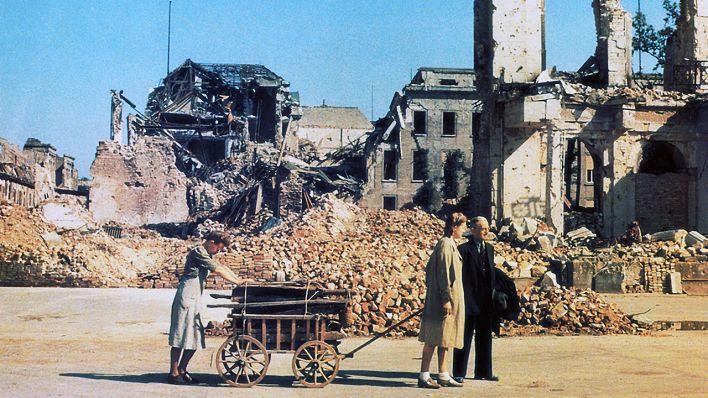 Berlin 1945 - Tagebuch einer Großstadt | Doku & Reportage | rbb