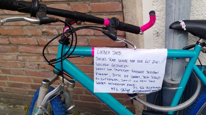 Notes of Berlin - Zettel - Fahrrad; Quelle: Notes of Berlin - Filmlab
