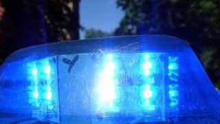 Blaulicht eines Polizeiautos (Quelle: imago /Frank Sorge