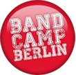 Band Camp Berlin Logo (Quelle: rbb/Dokfilm)