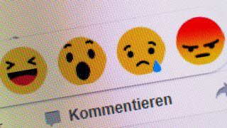 Emoticons bei Facebook (Quelle: imago/Christian Ohde)