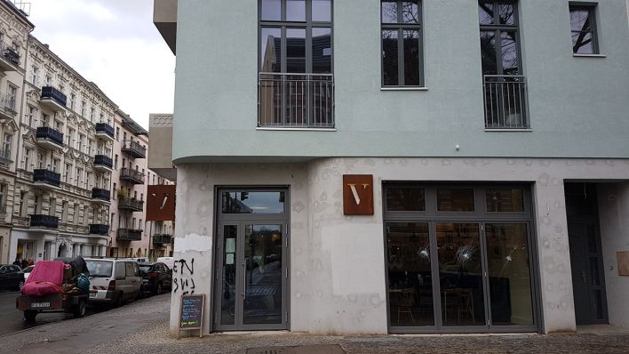 m gliche verbindung zu gentrifizierungsgegnern 15 personen attackieren restaurant in kreuzberg. Black Bedroom Furniture Sets. Home Design Ideas