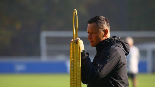 Grübeln für die Startformation: Pal Dardai fehlen drei Abwehrspieler. / imago/Matthias Koch