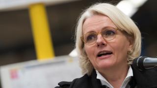 Betrugsvorwurfe Ehemann Von Familienministerin Giffey