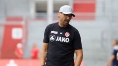 Energie-Cheftrainer Claus-Dieter Wollitz (Quelle: imago images / Steffen Beyer)