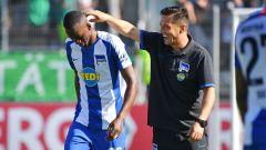 Ante Covic und Dodi Lukebakio nach dem Spiel in Eichstätt. (Quelle: imago/Sven Simon)
