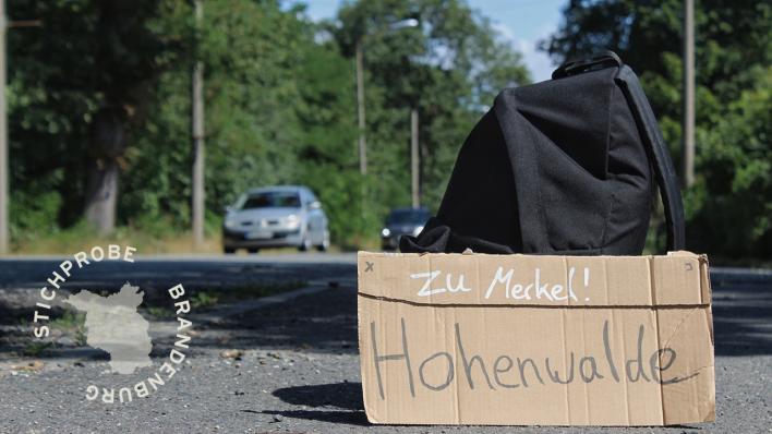 Reportage aus Brandenburg: Per Anhalter zur Bundeskanzlerin