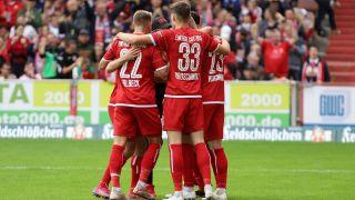 Cottbuser Torjubel gegen den BFC Dynamo. / imago images/Steffen Beyer
