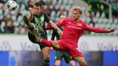 Sebastian Andersson (rechts) im Duell gegen den VfL Wolfsburg. Quelle: imago images/Contrast