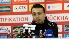 Cheftrainer Sebastian Abt von Energie Cottbus (imago images/Steffen Beyer)