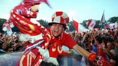Der Autokorso nach dem Bundesliga-Aufstieg von Energie Cottbus im Jahr 2000. (Quelle: imago images/Robert Michael)