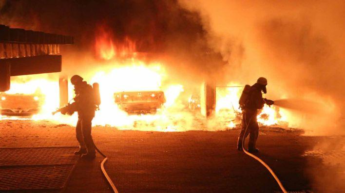 Berlin-Neukölln: Mehrere Verletzte nach schwerem Brand in Mietergarage