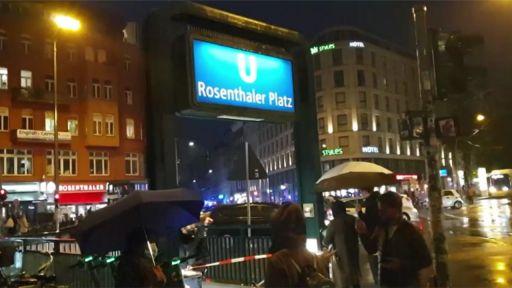 Evakuierung am Rosenthaler Platz. (Quelle: rbb/Abendschau)   rbb/Abendschau