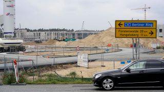 Tesla Baustelle in Grünheide (Quelle: imago-images/Thomas Bartilla)