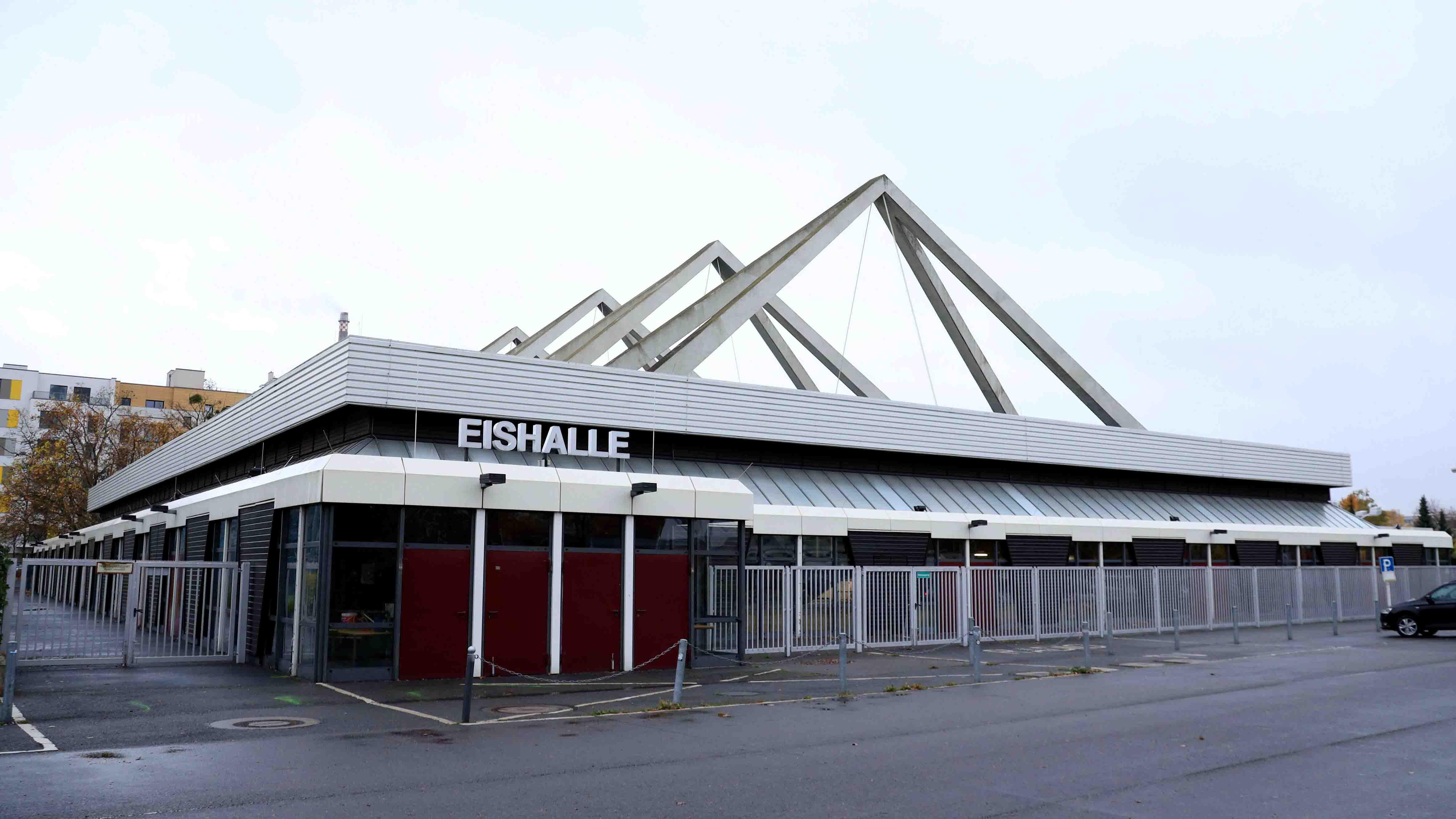 Erika-Hess-Eisstadion wird Berliner Impfzentrum (Bild: imago images/Sebastian Gabsch) | imago images/Sebastian Gabsch
