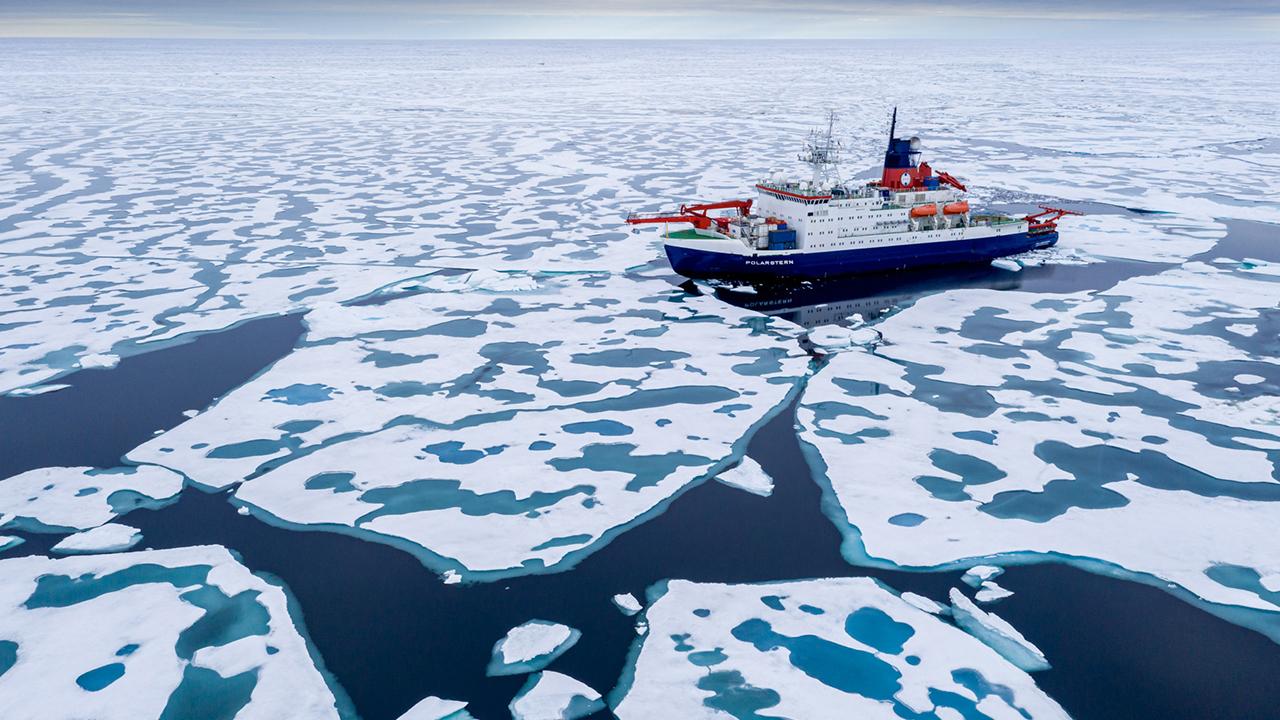 rbb-Dokumentation über das deutsche Forschungsschiff «Polarstern», das sich in der Arktis dem Nordpol nähert. Am 12.10.2020 kehrt die «Polarstern» nach einem Jahr in der Arktis in den Heimathafen Bremerhaven zurück.(Quelle: dpa/Steffen Graupner)