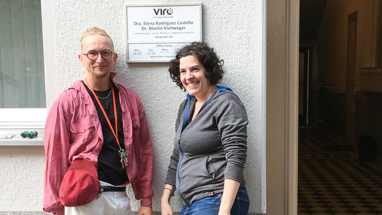 Martin Viehweger und seine Kollegin Elena Rodrigues (Quelle: privat)
