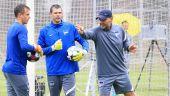 Herthas Ex-Torwarttrainer Zsolt Petry gibt Anweisungen. / imago images/Nordphoto