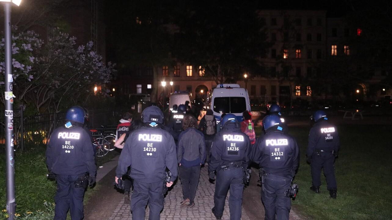 Angriffe auf Polizisten am späten 16. Mai 2021 in Kreuzberg (Bild: M. Pudwell)
