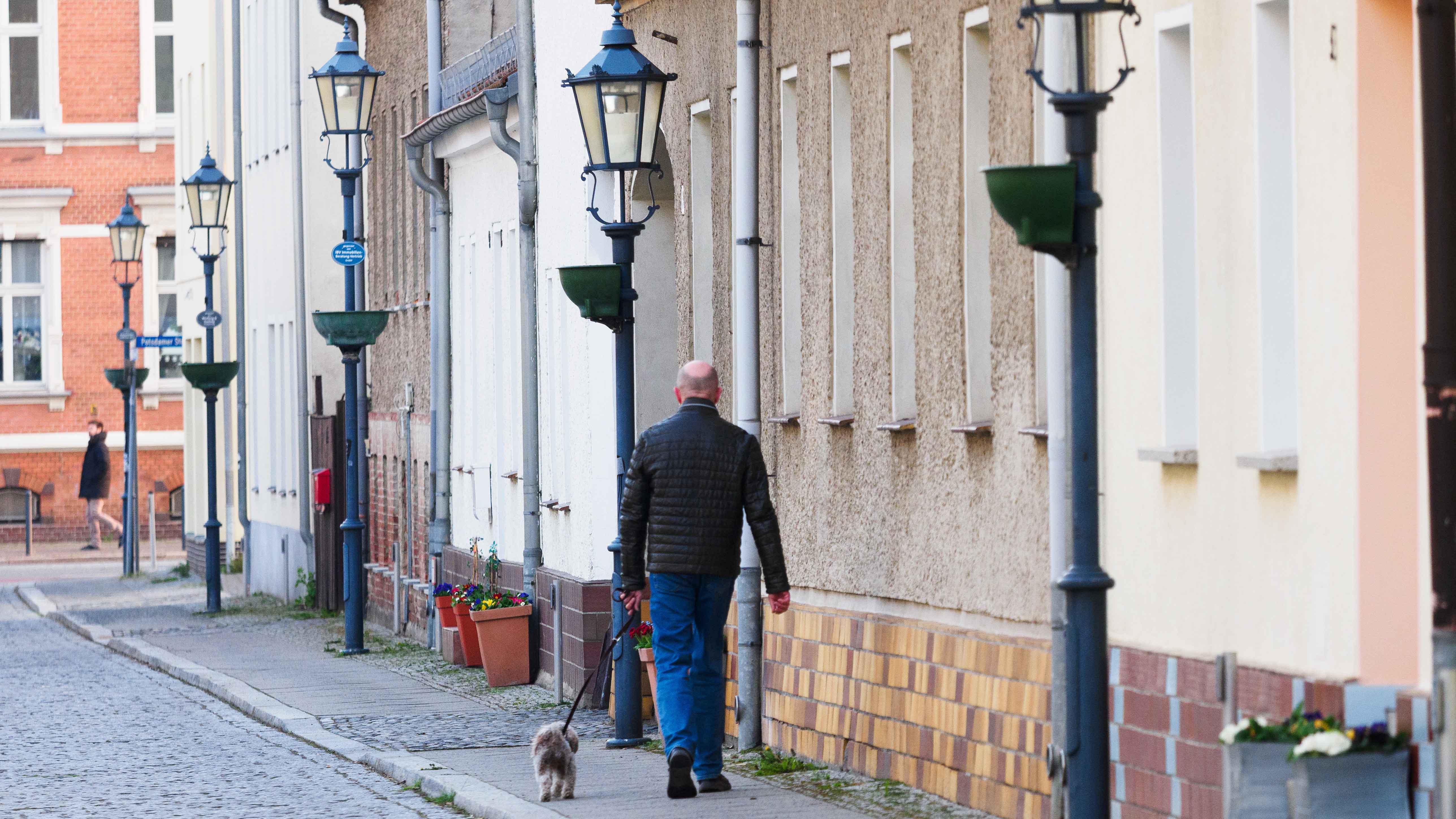Die Zahl neuer Corona-Ansteckungen pro 100 000 Einwohner in einer Woche ist inBrandenburg weiter gesunken. (Bild: dpa/Stache)