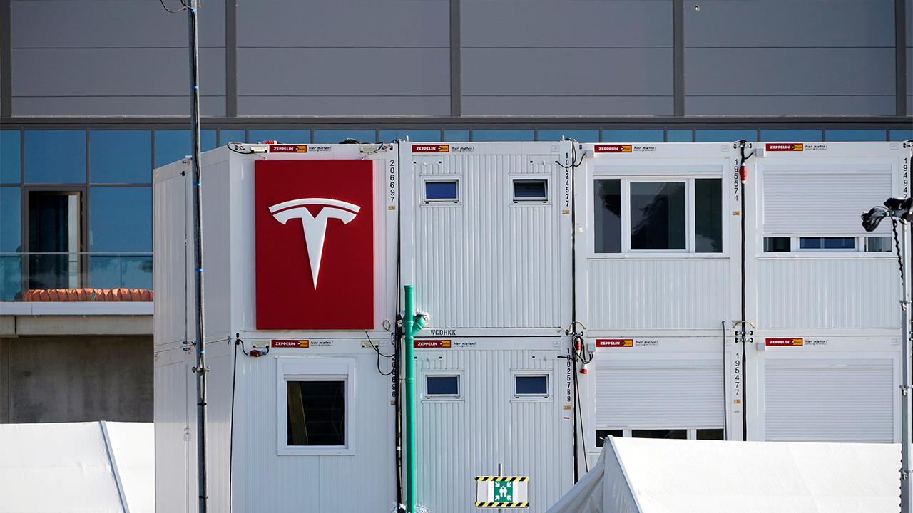 """Teslas deutsche Elektroauto-""""Gigafactory"""" in der brandenburgischen Gemeinde Grünheide (Bild: dpa/Geisler/Thomas Bartilla)"""
