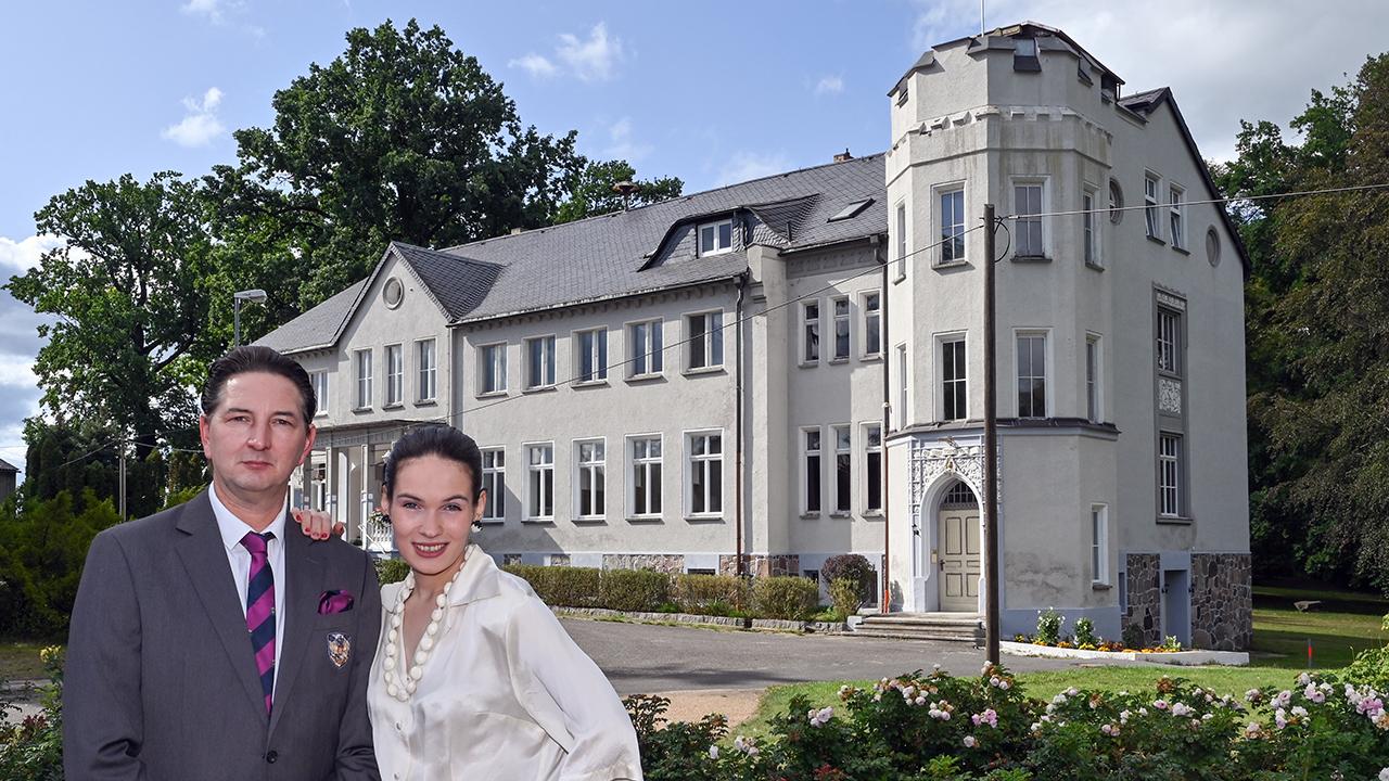 Archivbild: Ariane Rykov baut ein Archiv in einem Schloss in der Lausitz auf, das Romy Schneider Museum. Aufnahme vom 17.09.2020. (Quelle: dpa/Parick Pleul)