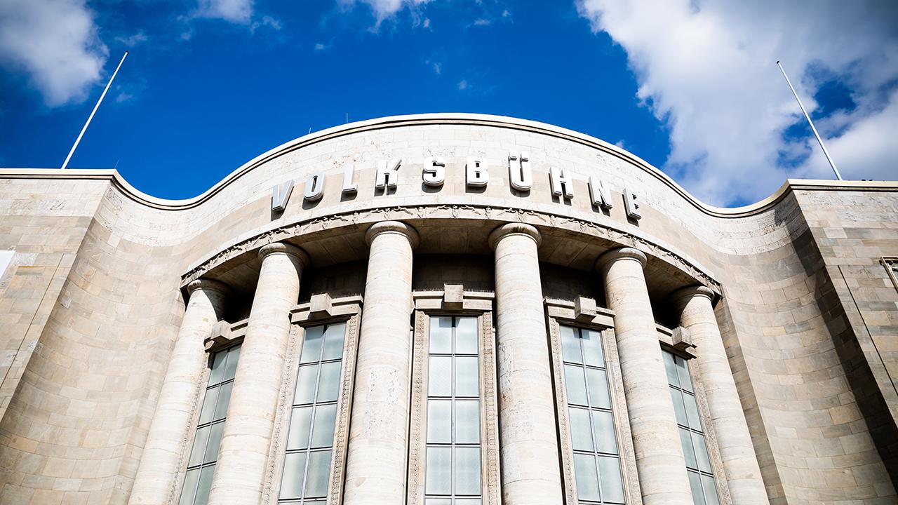 Die Volksbühne Berlin. (Quelle: dpa/Christoph Soeder)
