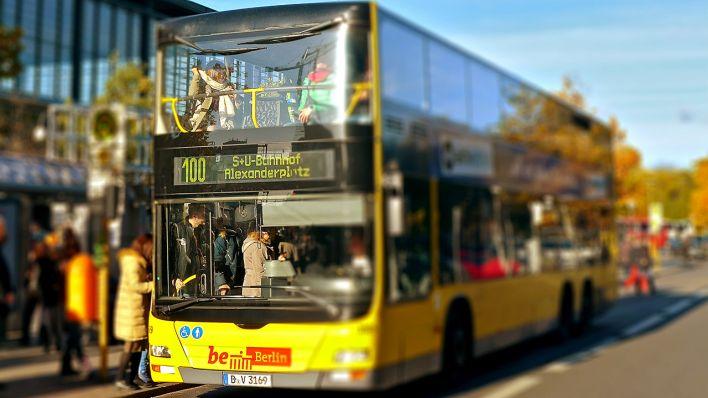 Berlin Mit Dem Bus Erfahren Der 100er Rbb
